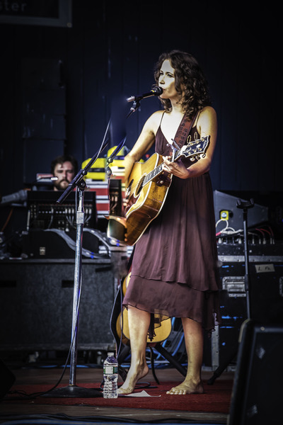 SARAH LEE AND ARLO GUTHRIE IN CONCERT